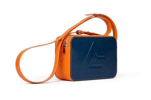 Kamera plavo narančasta